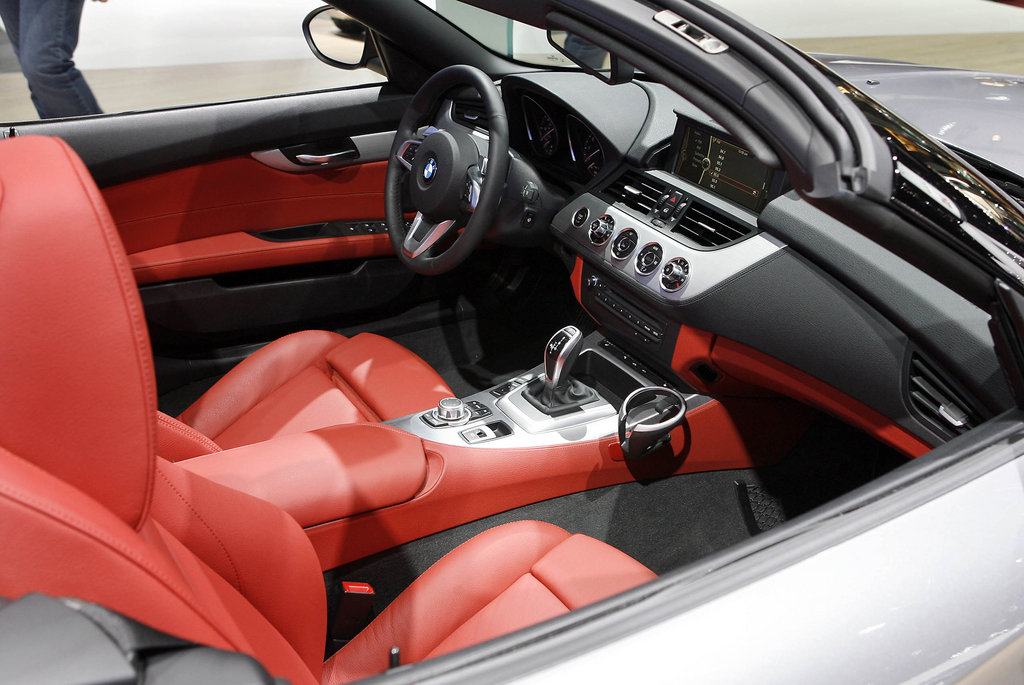 Gray 35i With Red Leather Pics Here