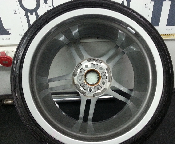 313 Bmw Performance Wheels Cracked