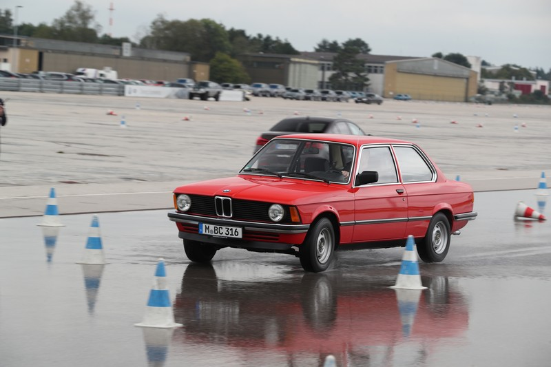 Name:  P90277332_highRes_40-years-bmw-and-min.jpg Views: 2224 Size:  100.9 KB