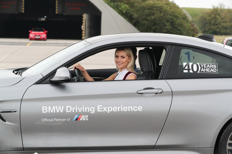 Name:  P90277331_highRes_40-years-bmw-and-min.jpg Views: 2264 Size:  102.4 KB