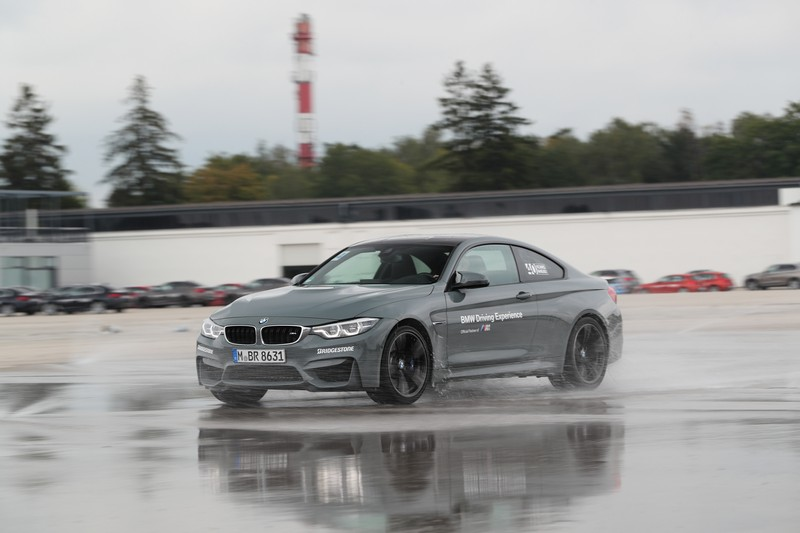 Name:  P90277333_highRes_40-years-bmw-and-min.jpg Views: 2173 Size:  83.5 KB