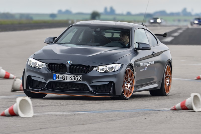 Name:  P90277334_highRes_40-years-bmw-and-min.jpg Views: 2067 Size:  92.6 KB
