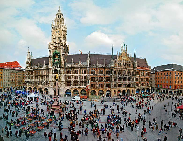 Name:  Marienplatz3279647691965_569965791_n.jpg Views: 3364 Size:  125.8 KB