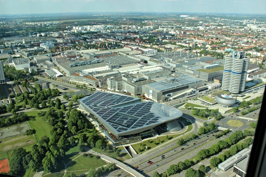 Name:  BMW Welt and Museum and WERK  IMG_8928.jpg Views: 5637 Size:  179.6 KB