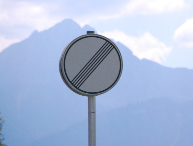 Name:  autobahn-end-of-restrictions-sign.jpg Views: 11465 Size:  83.5 KB
