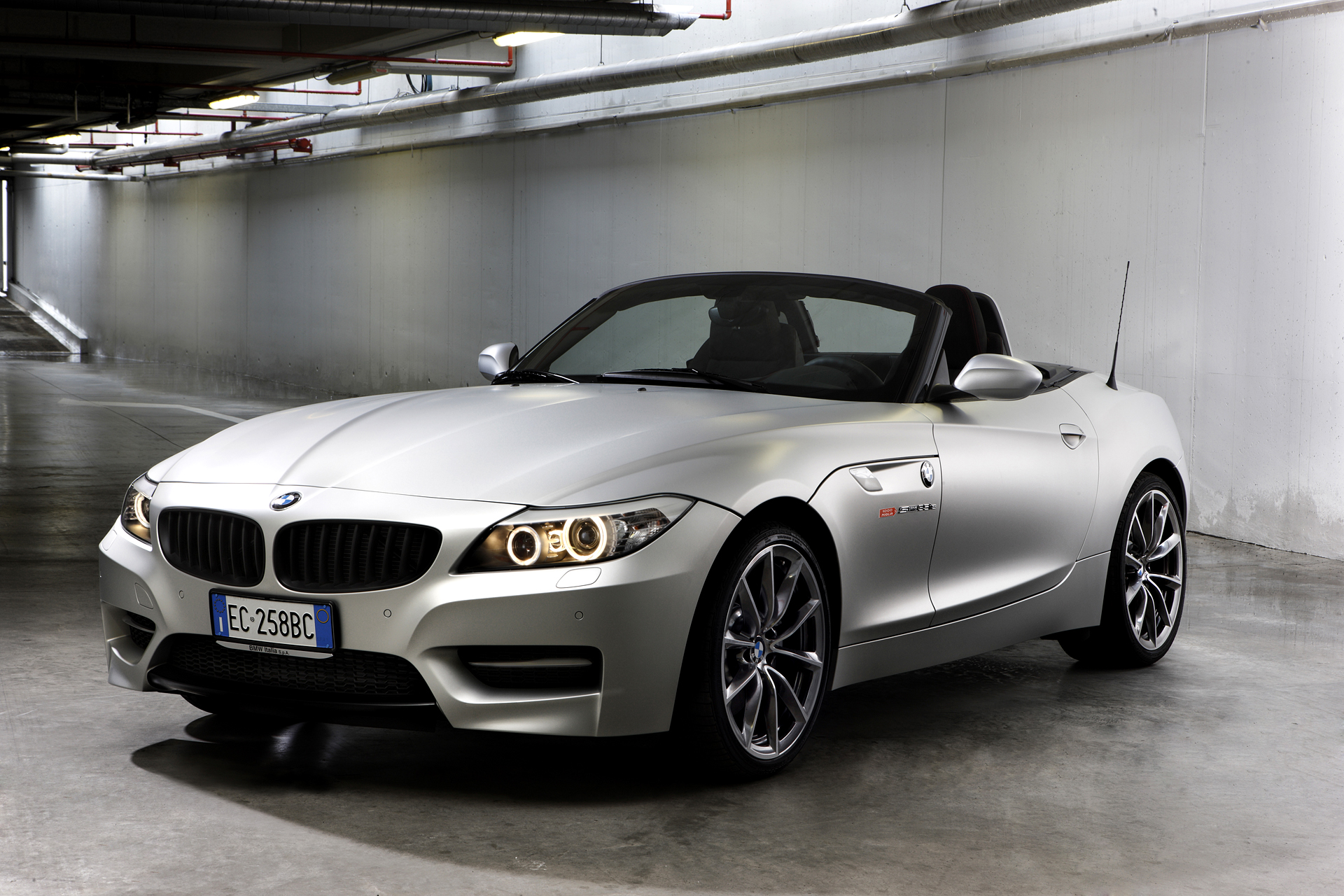 Bmw Z4 Sdrive35is Mille Miglia 2010 Edition